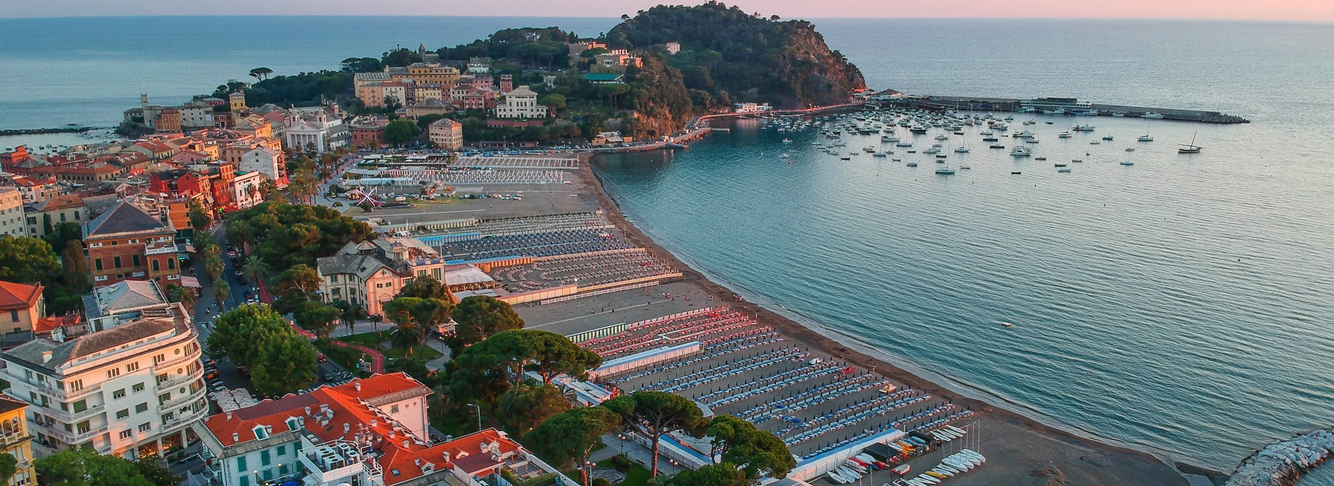 Sestri Levante Holiday and Vacation in one of the most beautiful little towns of Ligurian Riviera